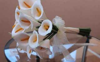 Свадебный букет из цветов фоамирана