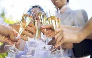 Поздравления свидетеля на свадьбе должны отличаться от других поздравлений