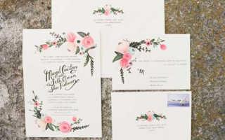 Стильным дизайнерским решением будет сделать пригласительные открытки на свадьбу своими руками