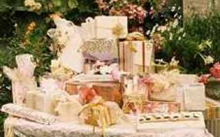 Подарки родственникам на свадьбе — подборка идей