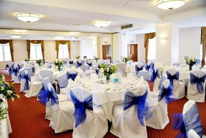 Банкетный зал – место для проведения сапфировой свадьбы
