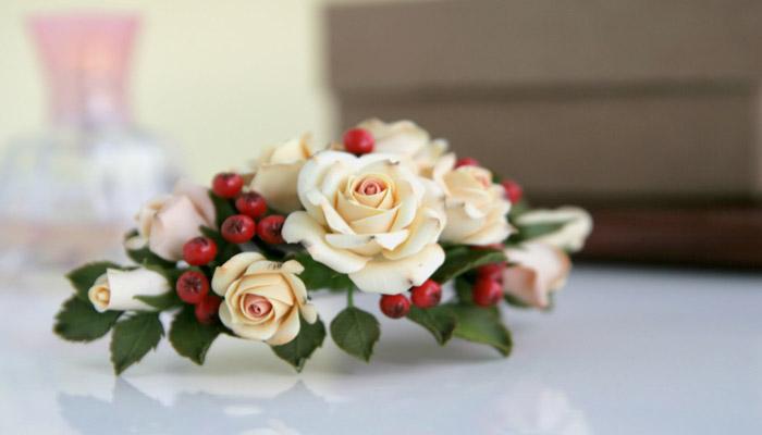 Заколка-роза в подарок жене от мужа