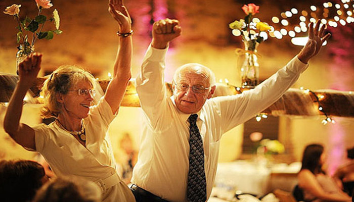 Празднование 70-летия бракосочетания в ресторане