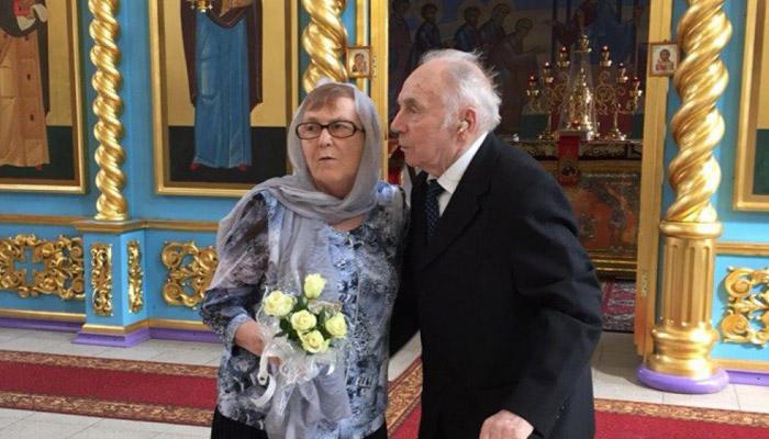 Обряд венчания супругов на коронную свадьбу