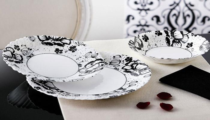 Набор посуды в качестве подарка для юбиляров