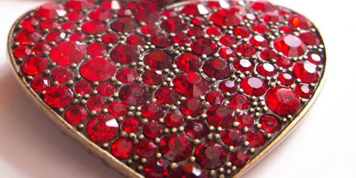 Сердце с рубинами