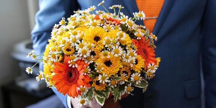 Свадебный букет с ромашками и герберами