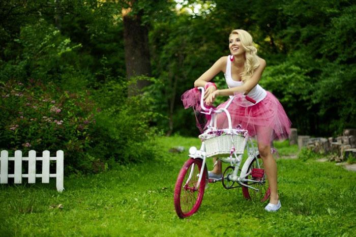 Велосипедные прогулки во время барби-девичника