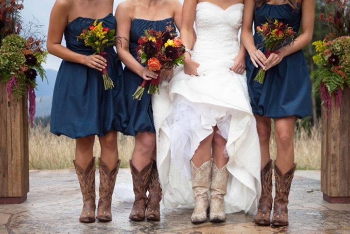 Свадебное платье, укороченное спереди