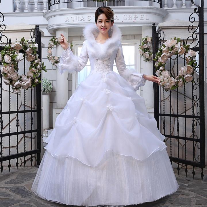Платье с меховой отделкой