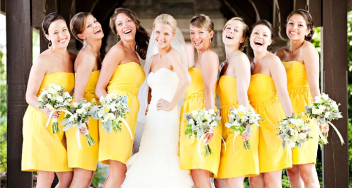 Свадебные платья подружек одного цвета и фасона