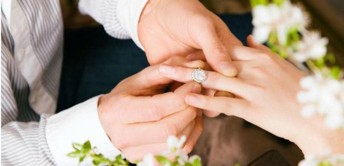 Красивое кольцо для помолвки