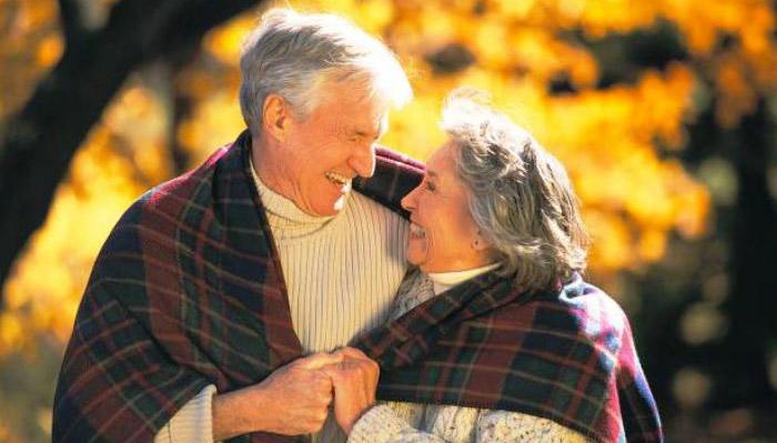 Жена говорит мужу теплые слова на годовщину