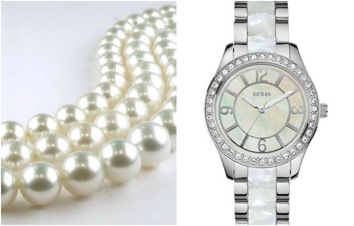 Перламутровые часы и жемчужное ожерелье