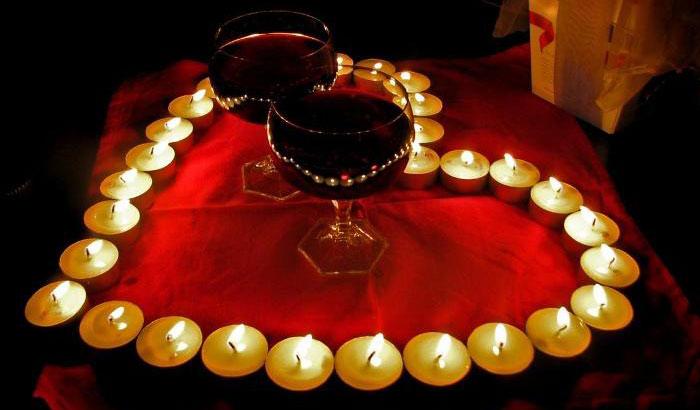 Медная свадьба: романтический вечер при свечах