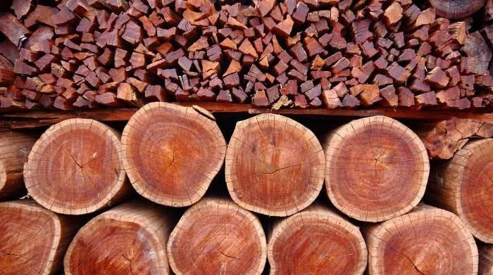 Дорогой и крепкий материал – красное дерево