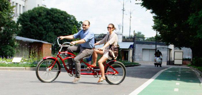 Прогулка на тандем велосипеде