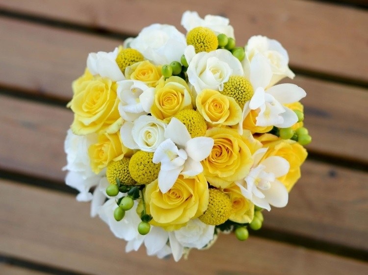 Свадебная композиция из роз