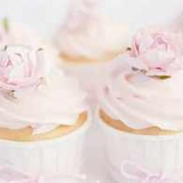 cream-cupcakes-dessert-flower-favim-com-1636574