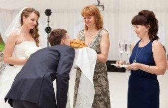 krestnaya-na-svadbe-traditsii-i-obyazannosti-krestnoj-materi2