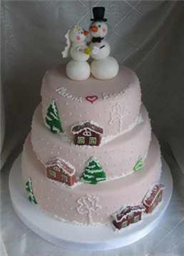 Свадебный торт со снеговиками