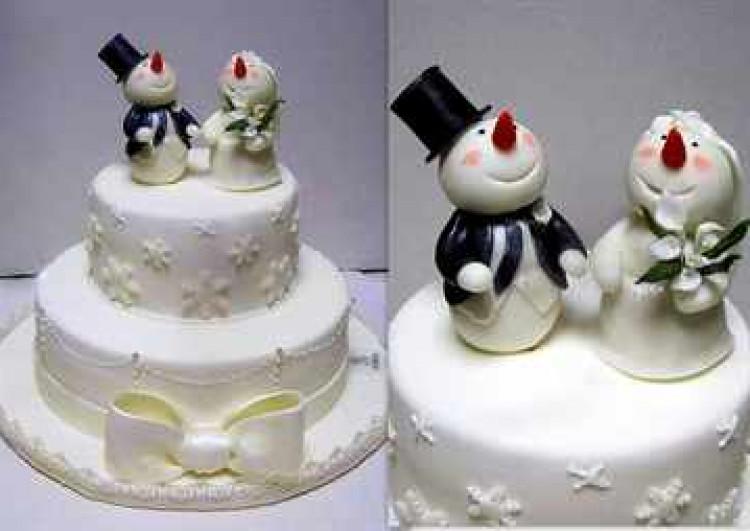 Свадебный торт со снеговичками
